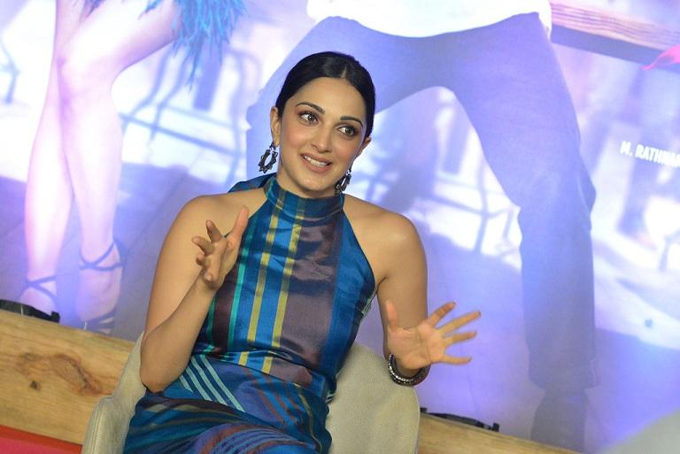 Kiara Advani Vinaya Videya Rama Interview Stills (3)